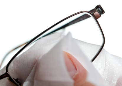 Cleaning glasses with cloth